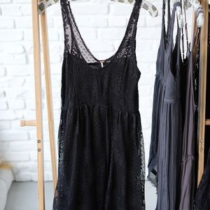 Free People black lace dress size 4 good condition